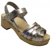 Kajsa - Silver patent leather on a natural low (5 cm) base